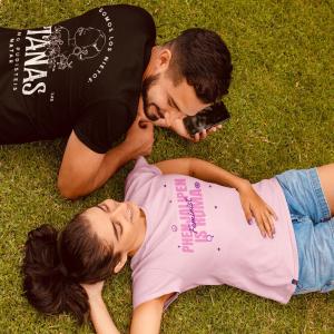 """""""La resistencia también puede ser un acto de amor."""" 😍💙♥️💚🤗  Camisetas disponibles en WWW.MILDUQUELAS.COM . . . #opreroma #opreromnja #pueblogitano #puebloromani #romapeople #romaniresitance #amor #feminist #romaniresistance #rromanoustipen"""